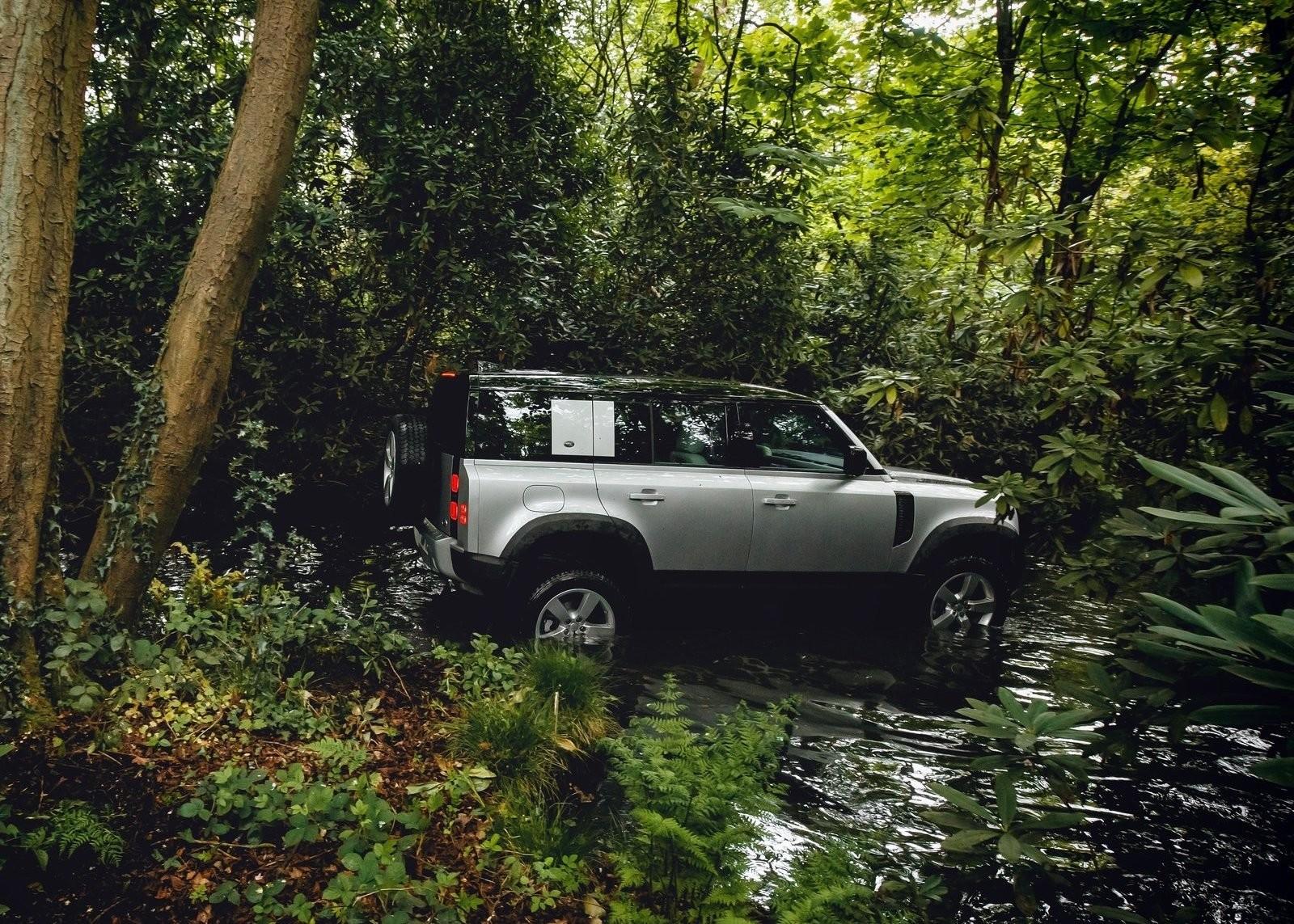 Foto de Land Rover Defender 2020 (50/60)