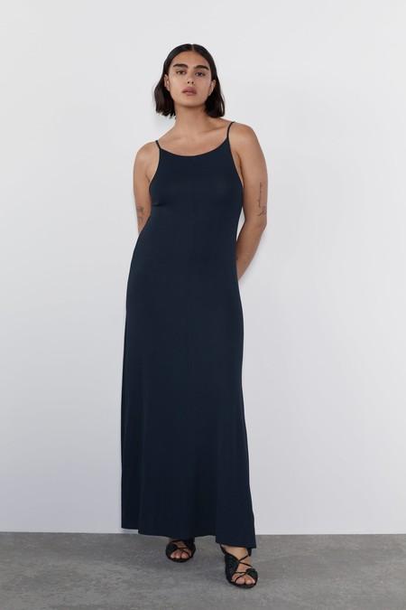 Como Combinar Un Vestido Azul Marino 3
