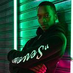 H&M vuelve a hacer las camisetas y sudaderas tan cool como siempre gracias a su colaboración con Lil Nas X