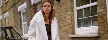 Nos olvidamos del frío con estos 23 abrigos de rebajas que Zara, Mango, H&M y Massimo Dutti quieren que tengamos