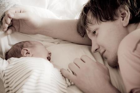 La foto de tu bebé en marzo: con papá