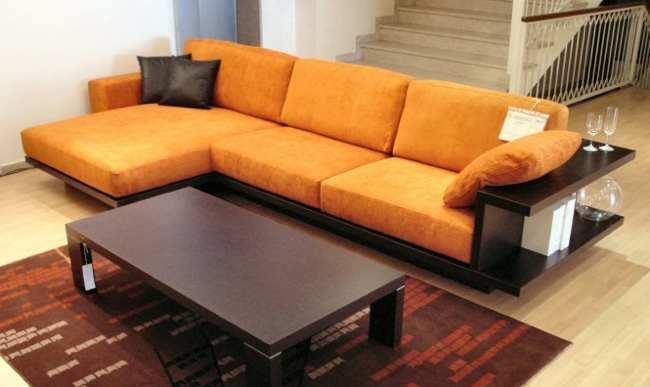 Sofa con espacio de almacenaje alrededor 1 5 for Sofa exterior con almacenaje