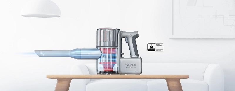 Aspirador manual Roborock H6 de gran potencia de succión, con multiples accesorios para una limpieza a fondo y en cualquier rincón, fácilmente manejable y transportable.