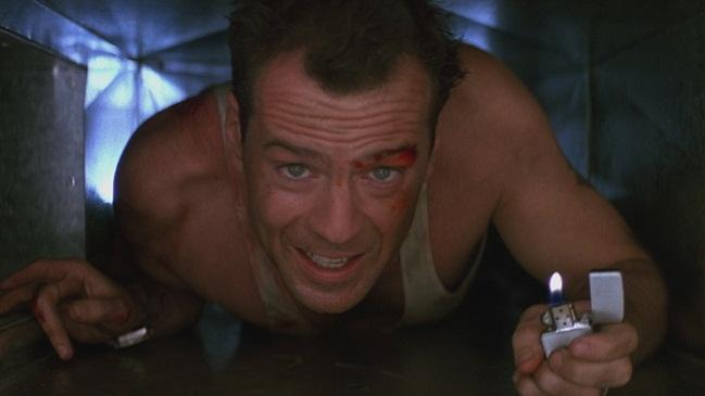 Bruce Willis como John McClane