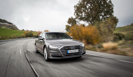 Audi A8 2018 en marcha