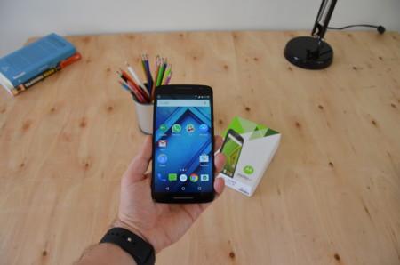 Moto X Play, análisis: menos precio y autonomía de dos días a costa de descuidar el diseño