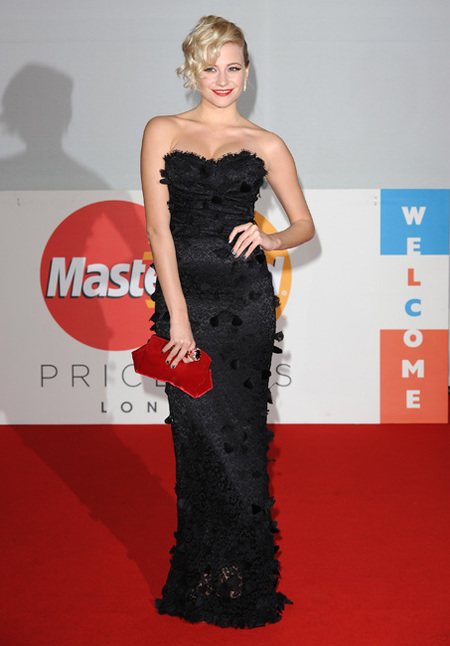 Pixie Lott en los Brit Awards 2012