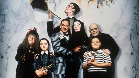 Crónicas De La Familia Addams Más De 80 Años De Cómics Cine Y Televisión Con El Clan Más Macabro De La Comedia Infantil