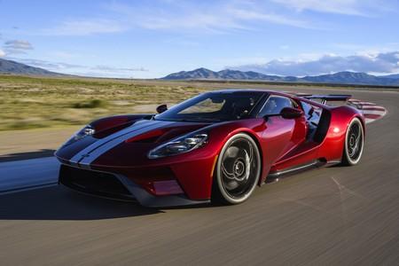 Ford GT llamado a revisión por riesgo de incendio