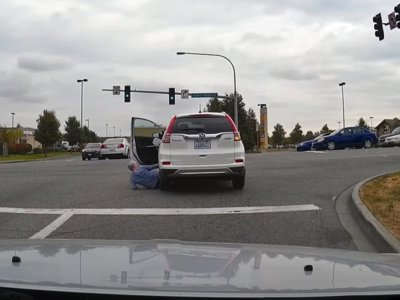 ¡Cuidado con Skynet! Los coches no-autónomos también empiezan a cobrar vida y rebelarse contra el hombre