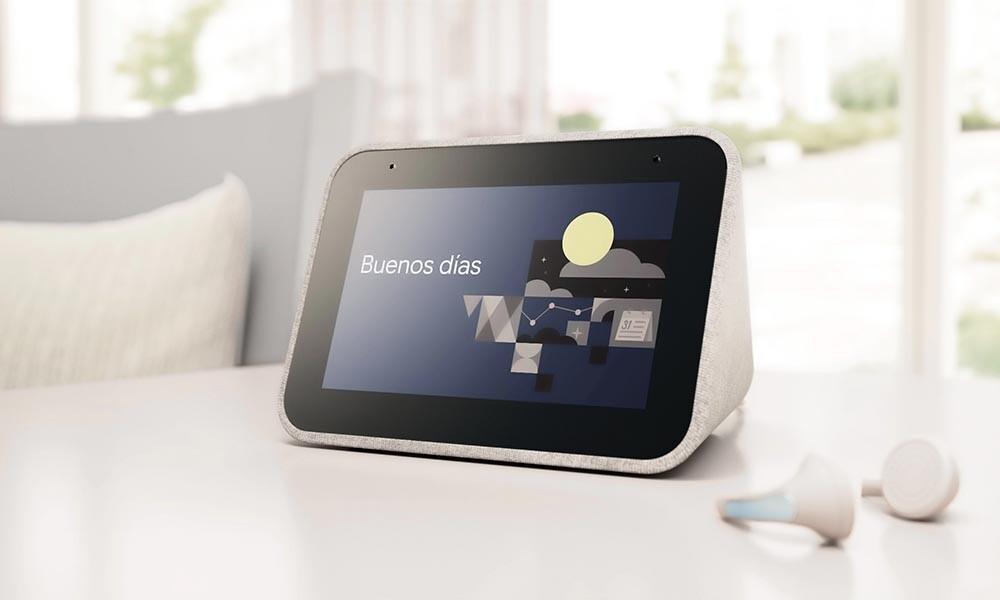 ¿Quieres un despertador que haga algo más que despertarte? En los Días Naranjas de PcComponentes te dejan el Lenovo Smart Clock por sólo 39,95 euros
