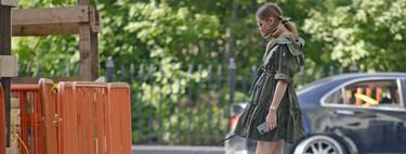 Olivia Palermo lo tiene claro: un pañuelo (tipo bandana) a modo de mascarilla para derrochar estilo a la vez que se protege