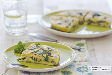 Tortilla de espárragos verdes, almendras y queso manchego. Receta