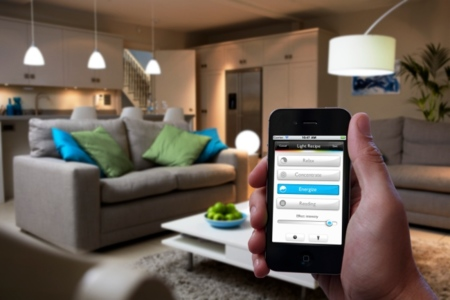Philips hue, una bombilla LED conectada a Internet