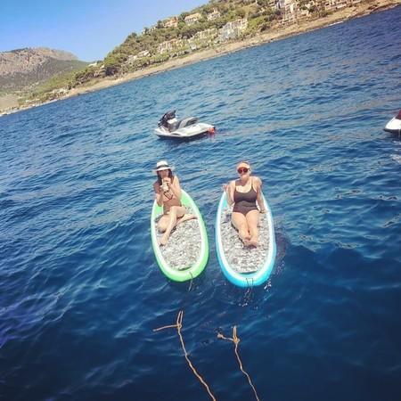 Paddle surf, el deporte acuático más divertido del verano que practican celebrities como Eva González