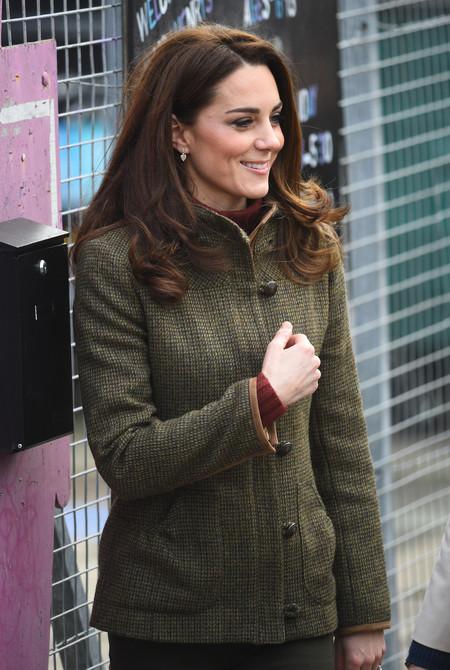 Kate Middleton opta por el total look khaki en su última visita