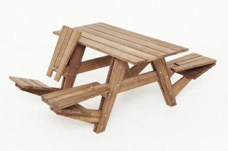 Mesa de jardín con asientos reversibles