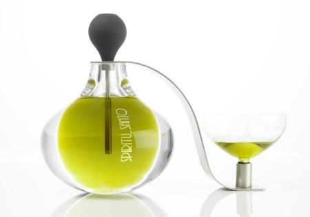 Diseño artístico holandés y aceite jienense en las nuevas botellas de Cortijo Spiritu_Santo