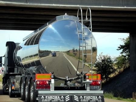 Vehículo de empresa... mejor un camión