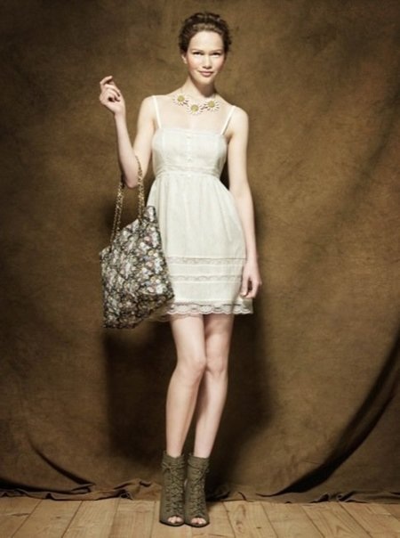 Colección Blanco Pre-Fall 2010: tonos apagados en la ropa antes del otoño XI