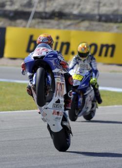 Jorge Lorenzo y Yamaha marcan la pauta en Jerez