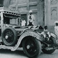 La leyenda del maharajá indio que se vengó de Rolls-Royce usando sus coches de lujo para recoger la basura