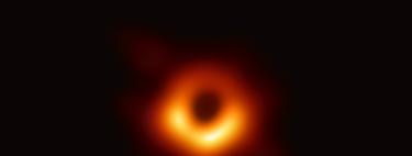 Esta es la primera imagen real de un agujero negro: así hemos conseguido captar la fotografía más improbable del universo