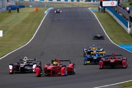 Mejor tiempo de Lucas di Grassi a potencia completa en Donington Park