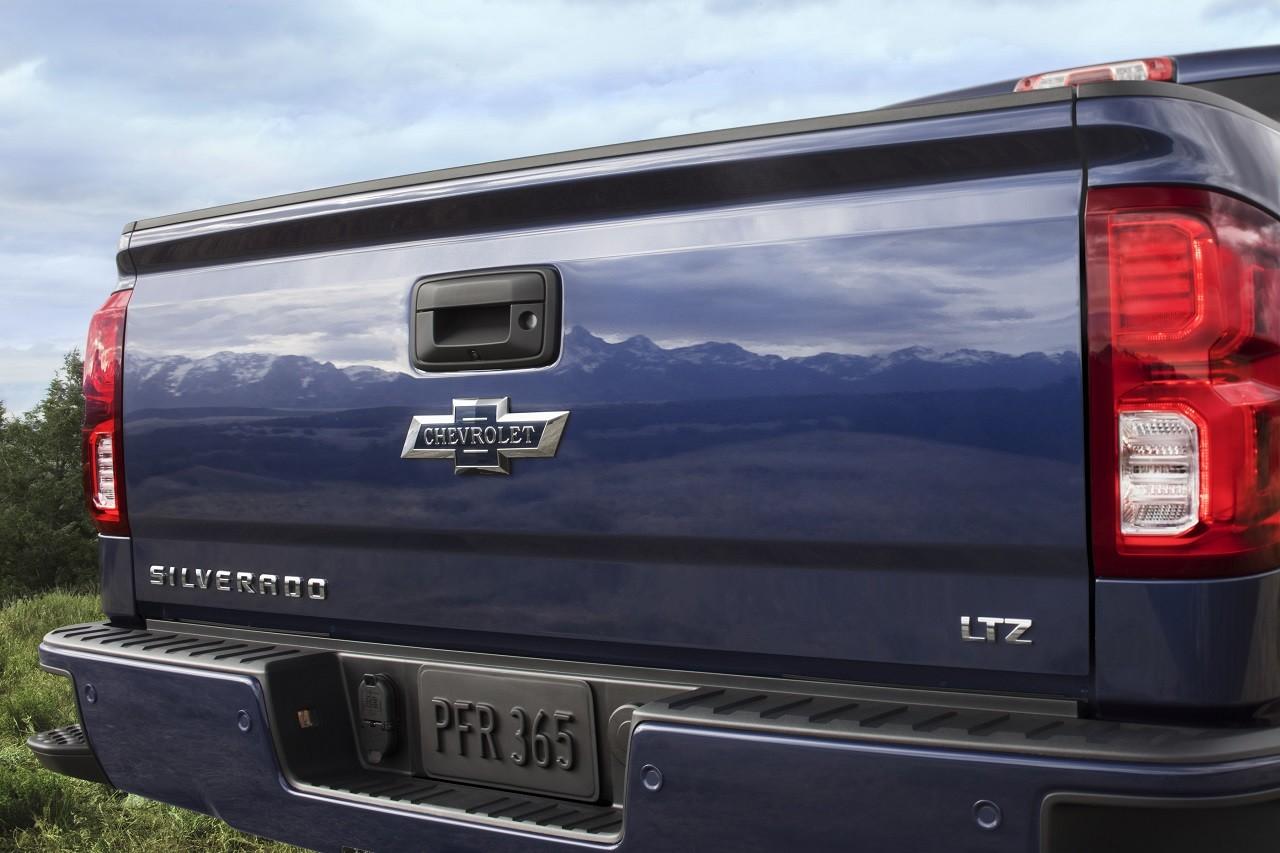 Foto de Chevrolet Silverado y Colorado edición Centennial (12/15)