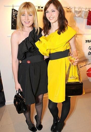 Algunas famosas comienzan a usar la colección de Lanvin para H&M (y a Madonna y a J. Lo, no se lo permiten)