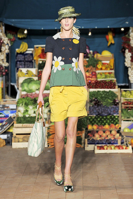 Foto de Moschino Cheap and Chic Primavera-Verano 2012 (21/28)