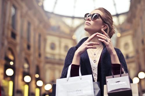 23 chollos en tallas sueltas de ropa para hombre y mujer de las marcas Amazon: el descuento alcanza hasta el 70%