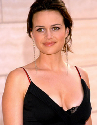 Carla Gugino se une a The Rock en 'Race to Witch Mountain'