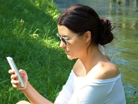 Pelearse a través de mensajes de texto es más problemático que hacerlo en persona