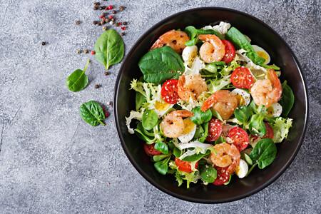 Sin grasa y con muchas proteínas: por qué debemos incluir langostinos en nuestra dieta y 15 recetas para empezar ya