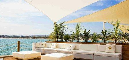 El plan perfecto en pareja o con amigos, cena frente al mar viendo el atardecer por 35 euros