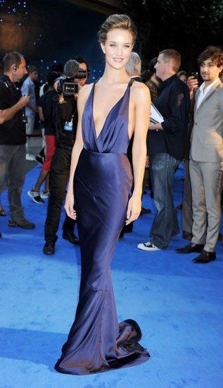 El vestido de noche Burberry hecho a medida para Rosie Huntington-Whiteley