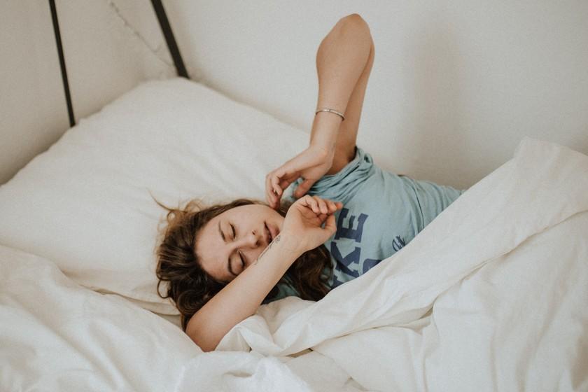 No sirve de nada que pases el fin de semana durmiendo si no descansas bien a diario: tu sensibilidad a la insulina se resiente