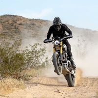 Top 5 para la Triumph Scrambler 1200 tras cinco días y 2.168 km corriendo contra motos de Enduro en la Baja 1000