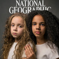 Las mellizas inglesas con diferente color de piel que protagonizan la portada de National Geographic