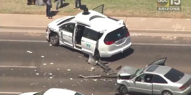 Video: Ahora es un vehículo autónomo de Waymo el que protagoniza un choque en Arizona