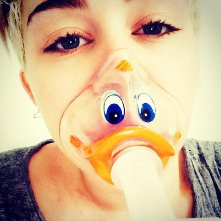 Que no cunda el pánico (o sí), que Miley Cyrus ya está fuera del hospital y seguimos teniendo gira