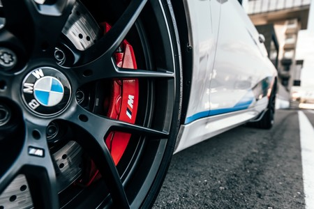 BMW M2 Competition M Performance llantas y frenos