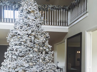 Pedazo árboles de Navidad se marcan las Kardashian/Jenner