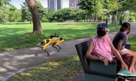 En Singapur han puesto a los robots de Boston Dynamics a vigilar que se guarde la distancia de seguridad en los parques