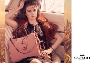 Por fin: la campaña de Selena Gomez y Coach ya está aquí, incluyendo un video protagonizado por ella
