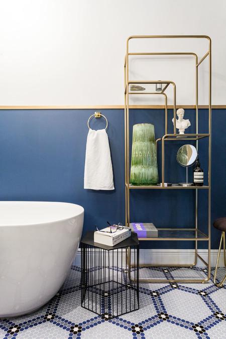 Ecológico y personalizable el mosaico de Hisbalit se suma a la tendencia classic blue incorporando este color a sus nuevos diseños