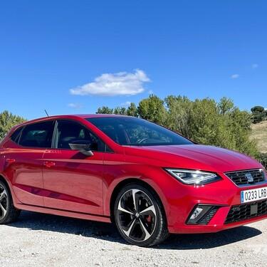 Probamos el nuevo SEAT Ibiza: algunos cambios por fuera, más digital por dentro pero sobre todo brilla al conducirlo