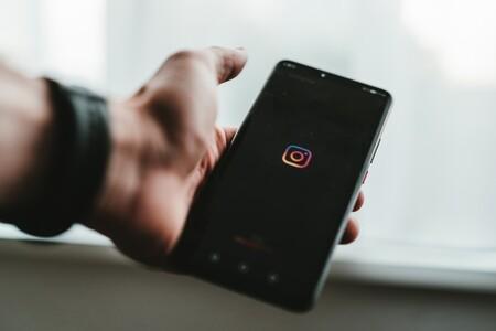 Instagram finalmente nos ayudará a esquivar los DM abusivos escondiéndolos en una carpeta oculta