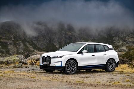 BMW echa un pulso a Volkswagen y anuncia un coche eléctrico con baterías de estado sólido antes de 2025